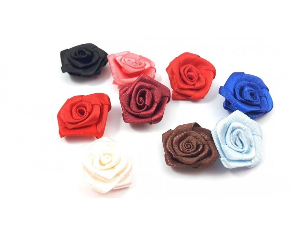 Atlasinės rožytės 30mm.