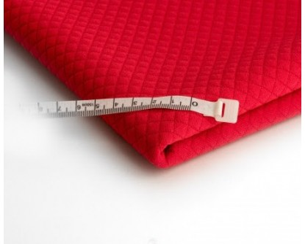 "Likutis 1,15m. Dygsniuotas trikotažas,,Raudona"""